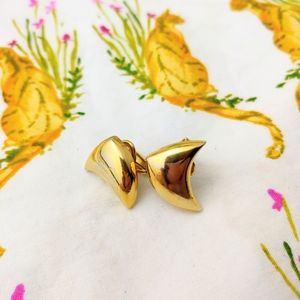 Vintage Abstract Boomarang Clip On Earrings